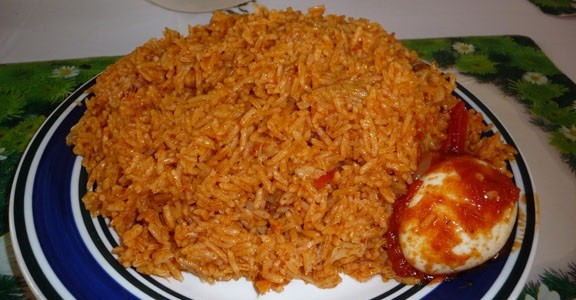 10 ghanaian dishes single ladies must learn how to cook angwa muu is a popular ghanaian dish which involves the use of just rice and oil oil is mixed with the rice in cooking and it can be eaten as such or forumfinder Gallery